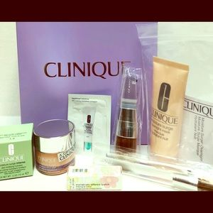 Clinique bundle with 3 brushes